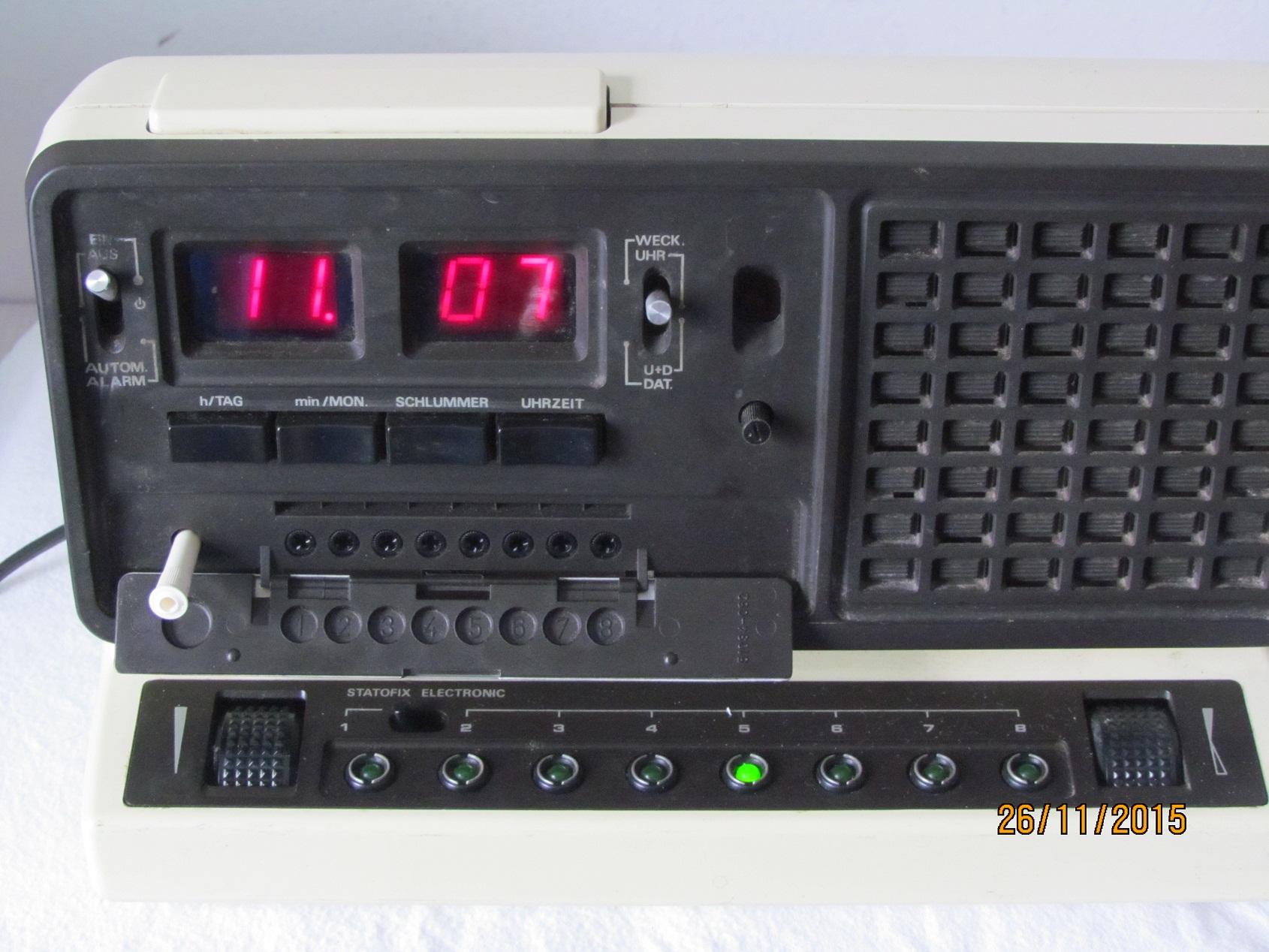 radiowecker grundig sono clock 650 von 1978 rarit t ebay. Black Bedroom Furniture Sets. Home Design Ideas